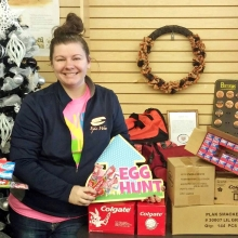 Waukon Dental donates to Easter Egg Hunt ...
